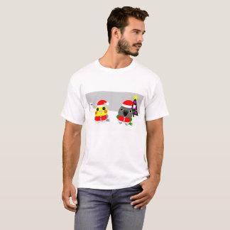 オウム Cockatiel & Senegal parrot as Santa for Christ T-Shirt