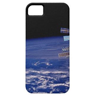 地球の上で浮かぶMirの宇宙局 iPhone 5 Cases