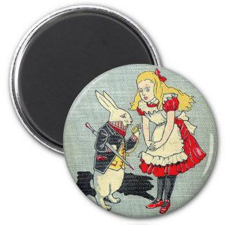 03 - Alice Book Cover 6 Cm Round Magnet