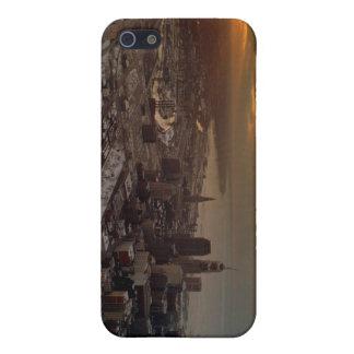 092608-4-APO iPhone 5 COVER