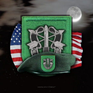 0bb1e6766be46 10th Special forces green berets veterans vets Classic Round Sticker