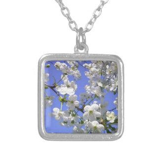 11053510_1600080120262832_4092270797372125567_n.jp square pendant necklace