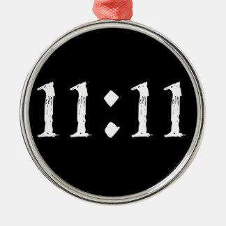 11:11 Silver-Colored ROUND DECORATION