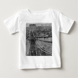 1870s New York City Brooklyn Bridge Construction Tshirt