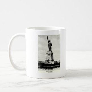 1898 Statue of Liberty Mug