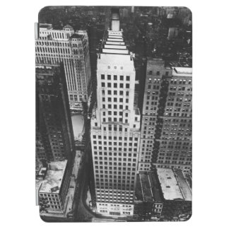 1960:  An aerial view of a Chicago skyscraper iPad Air Cover