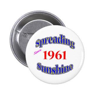 1961 Spreading Sunshine 6 Cm Round Badge