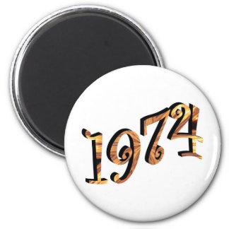 1974 6 CM ROUND MAGNET