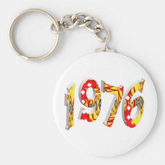 1976 BASIC ROUND BUTTON KEY RING