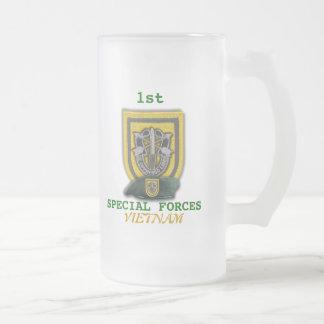1st Green Berets flash vietnam son vets beer Mug