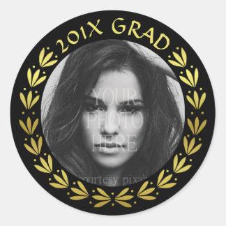 2017 Graduation Gold Laurel Wreath Class Photo Round Sticker