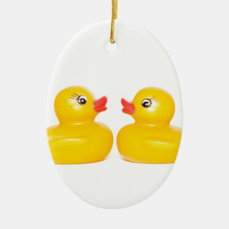2 rubber ducks in love ceramic oval decoration