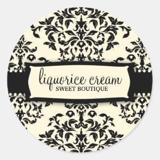 311-Icing on the Cake - Liquorice Cream Round Sticker