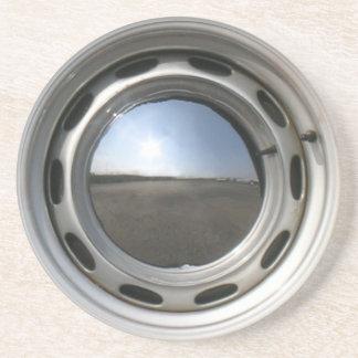 356 Classic car wheel (rim) with chrome hubcap Beverage Coasters