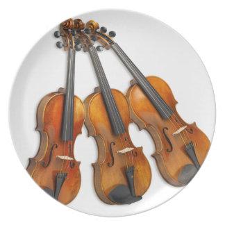 3 MUSICAL VIOLINS PLATE