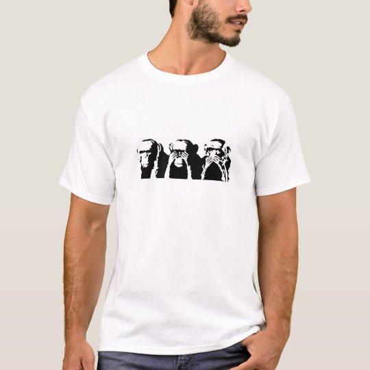 3 Wise Monkeys. T-Shirt