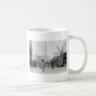 5th and Broadway NYC early 1900s Mugs