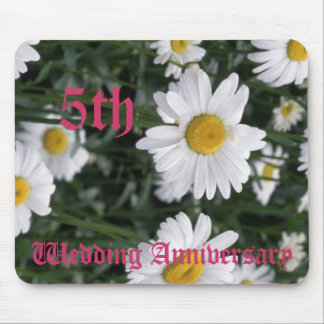 5th wedding anniversary - Daisy Mouse Mat
