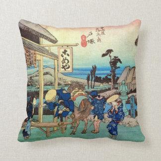 6. 戸塚宿, 広重 Totsuka-juku, Hiroshige, Ukiyo-e Cushion