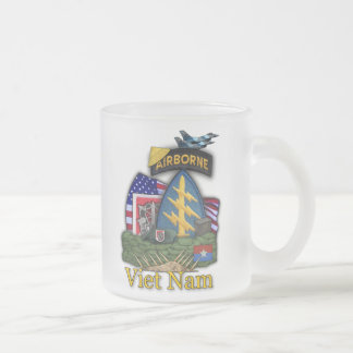 6th green berets vietnam war vets frosty Mug