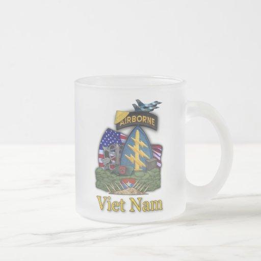 7th green berets vietnam vets  frosty Mug