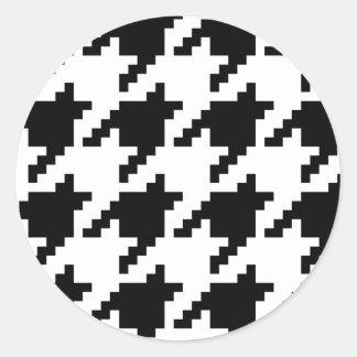 8 Bit Pixel Houndstooth Check Pattern Round Sticker