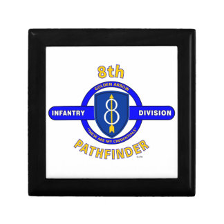 "8TH INFANTRY DIVISION ""PATHFINDER"" SMALL SQUARE GIFT BOX"