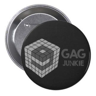 9gag junkie logo in cube 7.5 cm round badge