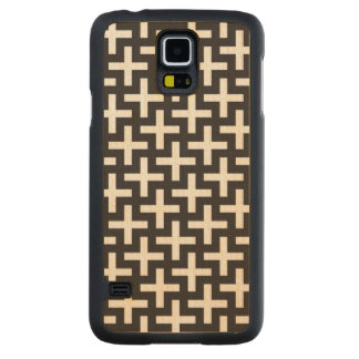 A b&w patterns made with 'plus' sign carved maple galaxy s5 case