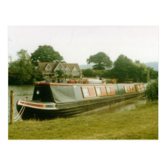 A BARGE ON THE RIVER THAMES AT HENLEY POST CARD