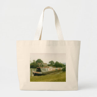 A BARGE ON THE RIVER THAMES AT HENLEY TOTE BAG