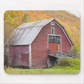 A barn in Vermont's Green Mountains. Hancock, 2 Mouse Mat