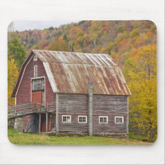 A barn in Vermont's Green Mountains. Hancock, Mouse Pad