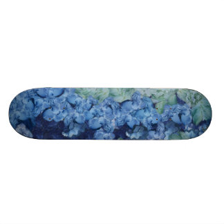 A beautiful garden 20.6 cm skateboard deck