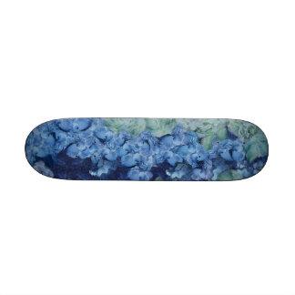 A beautiful garden 21.3 cm mini skateboard deck