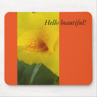 A beautiful lilly mouse pad