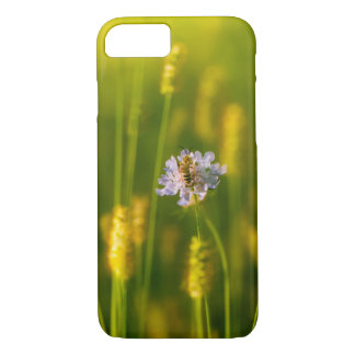 A bee on the Spring wild flowers iPhone 8/7 Case