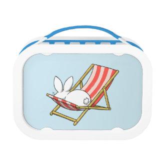 A bunny and a deckchair lunchbox