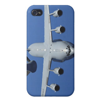 A C-17 Globemaster III approaches the boom iPhone 4/4S Case