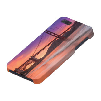 A capture of San Francisco's Golden Gate Bridge Cover For iPhone 5/5S