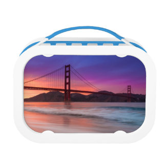 A capture of San Francisco's Golden Gate Bridge Lunch Box