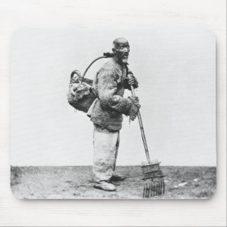 A Chinese day labourer, c.1870 (b/w photo) Mouse Mat