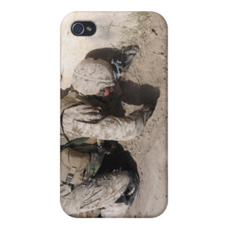 A combat engineer searches for weapons caches iPhone 4/4S cover