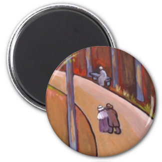 (A COUPLE STROLLING) 6 CM ROUND MAGNET