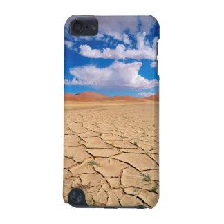 A cracked desert plain iPod touch 5G case