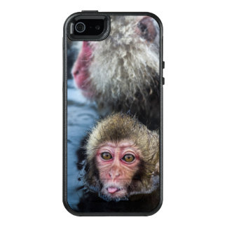 A Japanese Macaque Baby Sticking It'S Tongue Out OtterBox iPhone 5/5s/SE Case