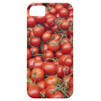 A large crop of tomato on a market stall in iPhone 5 cover
