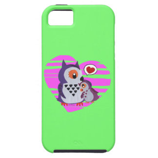 A mother owl hugging its daugther iPhone 5 cover