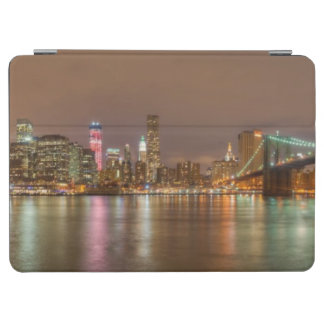 A panorama of the New York City skyline iPad Air Cover