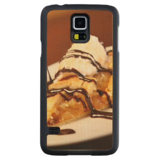 A picture of home-made apple pie carved maple galaxy s5 case